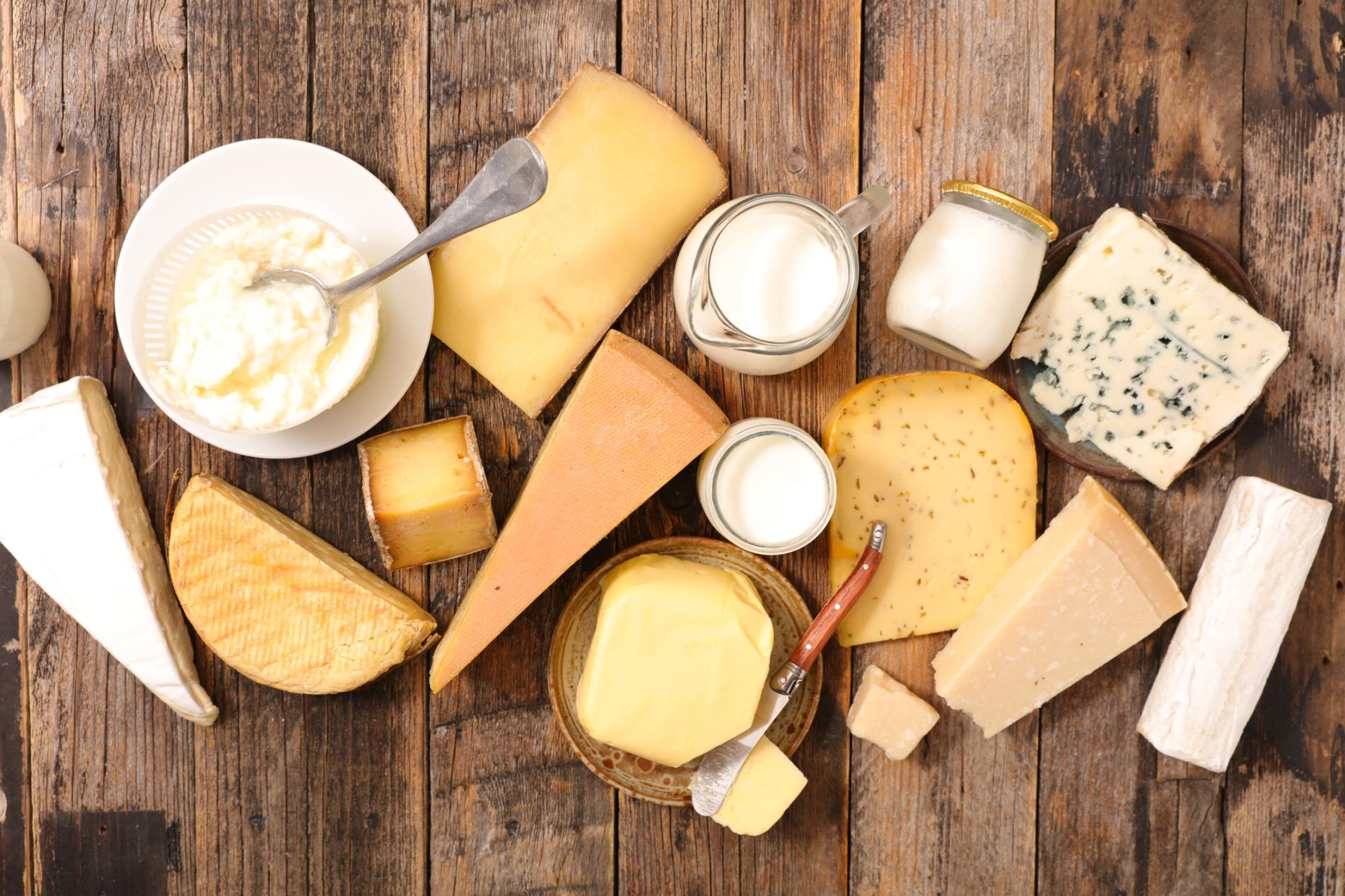 Sữa và các loại thực phẩm chế biến từ sữa